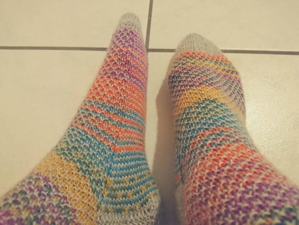 socken stricken broken seed stitch knit knit boom. Black Bedroom Furniture Sets. Home Design Ideas